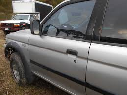 used mitsubishi montero windows and glass for sale