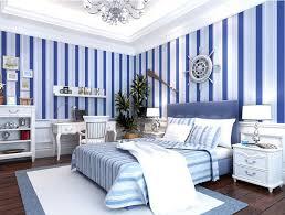 wandgestaltung schlafzimmer streifen glänzend wandfarbe streifen die besten 25 wand streichen ideen auf