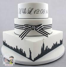 wedding cake nyc new york themed black white wedding cake cake by