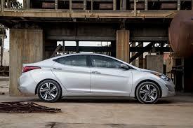 hyundai elantra 2014 hyundai elantra limited first test motor trend