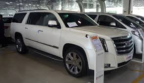 cadillac escalade wiki file cadillac escalade iv esv china 2017 04 01 jpg wikimedia commons