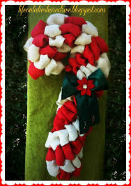 burlap candy cane wreath tutorial using pool noodle wreaths for