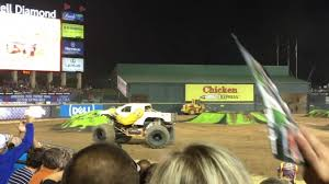 traxxas monster jam trucks traxxas monster truck destruction tour with bull riding at the