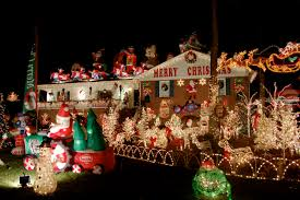 16 fabulous outdoor christmas decorations the road to domestication