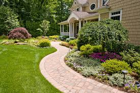 simple front yard landscaping pictures front yard landscaping
