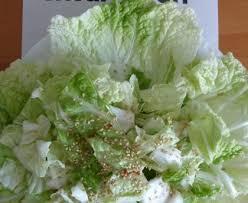 cuisiner chou chinois salade de chou chinois toute simpe recette de salade de chou