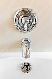 Fix Leaky Bathtub Spout Best 25 Faucet Repair Ideas On Pinterest How To Repair Baths