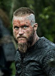 ragnar lothbrok cut his hair don t want this guy looking at you like that ragnar lothbrok