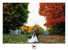 october wedding 21 october wedding photos that ll make you fall