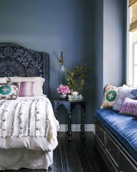 create a calming bedroom with teal and lavender colors for the