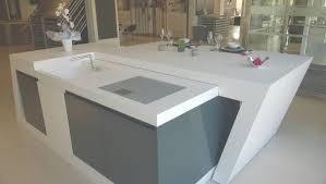ilot central cuisine avec evier modeles de cuisine avec ilot central modele sans poignes laque