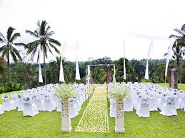 outdoor wedding decoration ideas photo of wedding garden decor relaxed garden wedding reception