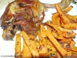 cuisiner des cuisses de canard confites cuisses de canard confites et frites de patates douces au four