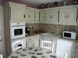 cuisine ancienne repeinte cuisine rustique repeinte renover une cuisine rustique en moderne