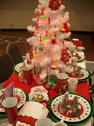 wonderful christmas table centerpiece burlap table runner metal