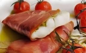 cuisiner filet de colin filets de merlu roulés au jambon de parme et confit de tomates