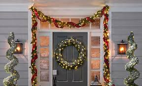 how to hang a garland pottery barn