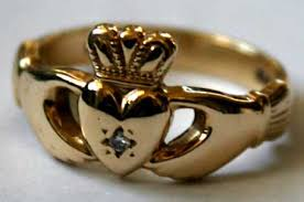 galway ring why you should offer a claddagh ring to your soul mate tour ireland