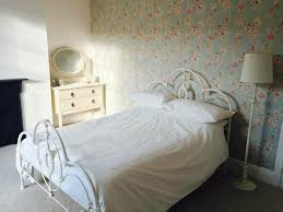 Cheap Shabby Chic Mirrors by Shabby Chic Window Curtains Concrete Bedroom That Seem Designed