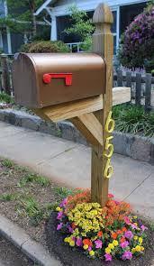 Mailbox Post Christmas Decorations by 8 Easy Diy Mailbox Designs Decorative Mailbox Ideas