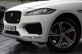 jaguar f pace black 2017 jaguar f pace s u2013 perfecting the suv on the first try ihab
