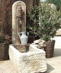 fontaine murale en zinc petite fontaine une fontaine de jardin vendue avec pompe
