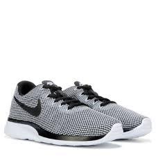 Nike Tanjun Black nike tanjun racer sneaker black white