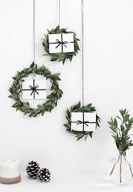 modern christmas 41 chic modern christmas décor ideas digsdigs