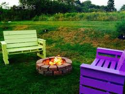 Pictures Of Patios With Fire Pits Patio U0026 Fire Pit Furniture Out Of 14 Repurposed Pallets U2022 1001 Pallets