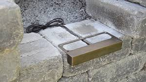 retaining wall lights under cap how to install retaining wall lights volt lighting