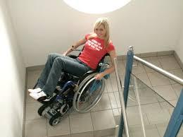 sedie per disabili per scendere scale montascale stairmax il montascale a cingoli per disabili autonomi