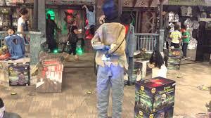 spirit halloween super store electrified maniac demo shopping at spirit halloween youtube