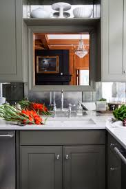 Types Of Backsplash For Kitchen - mirrored backsplash in the kitchen the makerista