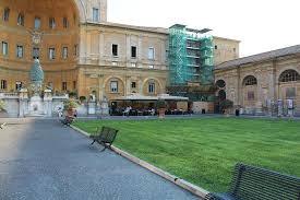 cortile della pigna colazione nel cortile della pigna foto di musei vaticani citt罌