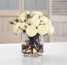 kunstige roser i glas cylinder vase rose in glass cylinder vase