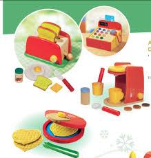 cuisine jouets des jouets qui envoient le bois avec lidl concours inside