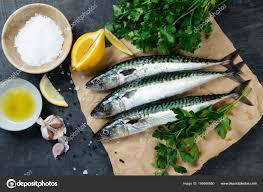 cuisiner le maquereau frais poisson maquereau frais avec des ingrédients à cuisiner