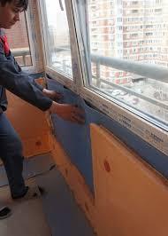 balkon isolieren handen het isoleren een balkon een stap voor stap