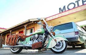 indian motorcycle reveals two tone paint schemes for 2015 chief
