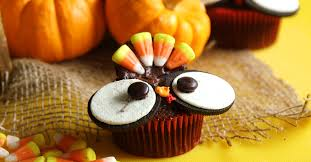turkey cupcakes are the cutest thanksgiving desserts