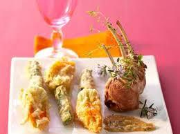 comment cuisiner les fleurs de courgettes beignets de fleurs de courgettes en version salée facile et pas