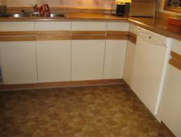 Laminate Kitchen Cabinets Refacing by Painting Formica Cabinets Before And After Roselawnlutheran