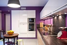 couleur murs cuisine avec meubles blancs zeitgenössisch couleur mur de cuisine associer la peinture orange