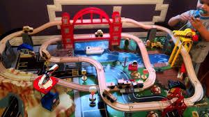 imaginarium metro line train table amazon kidkraft metropolis train table set toy review youtube