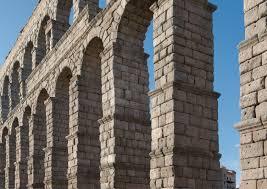 file roman aqueduct segovia 2012 spain jpg wikimedia commons