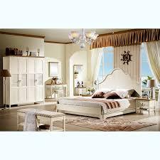 chambre a coucher avec coiffeuse chambre à coucher complet avec miroir chambre à