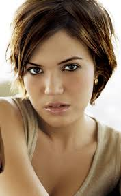 short hairstyles on ordinary women 15 sassy hairstyles featuring mandy moore short hair