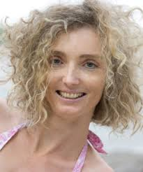 frizzy aged hair 5 hairstyles that make you look younger naturallycurly com