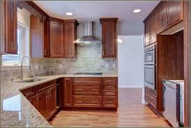 How To Put Crown Molding On Kitchen Cabinets by Kitchen Cabinets With Crown Molding