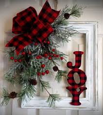 Decorating Large Christmas Wreaths by Holiday Decorating Shabby Country Red Plaid And Distressed